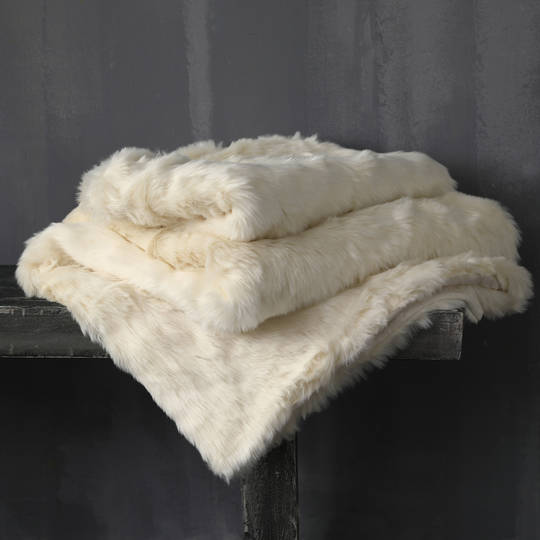 MM Linen - Snug Faux Fur Throw - Vanilla