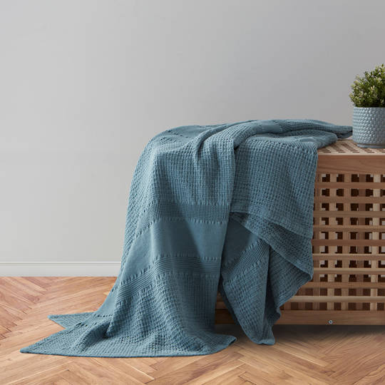 Baksana - Prague Throw - Artic Blue