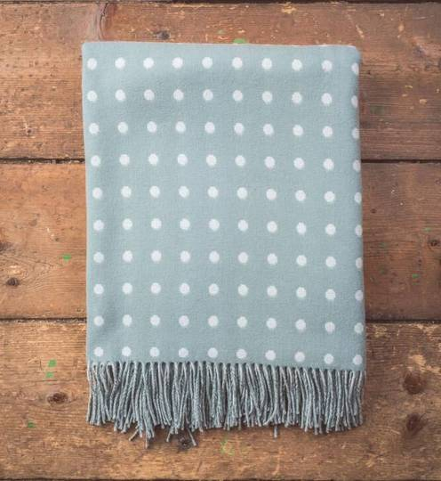 Importico - Foxford - Lambswool Throws - Sage Spot