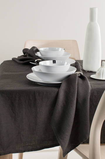 Importico - Himla Napkins/Table Runner/Tablecloths - Khol