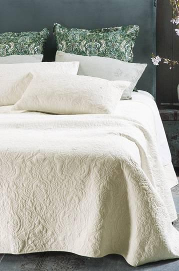 Bianca Lorenne - Bahia Ivory Bedspread / Eurocases