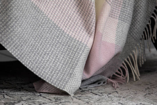 Importico - Foxford - Cashmere Wool  - Rose - Throw