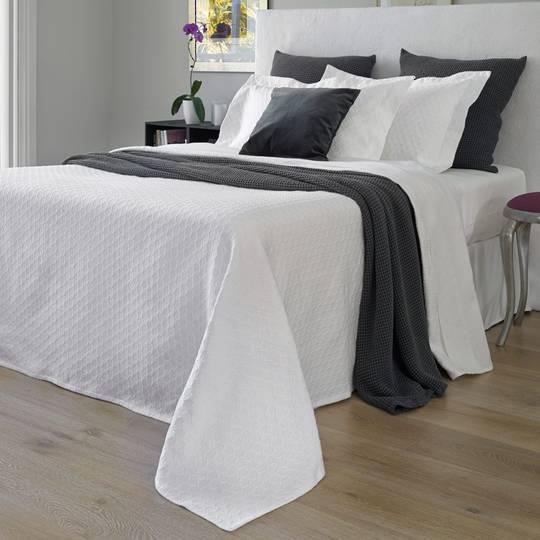 Baksana - Eternity Optic White Bedspread Set