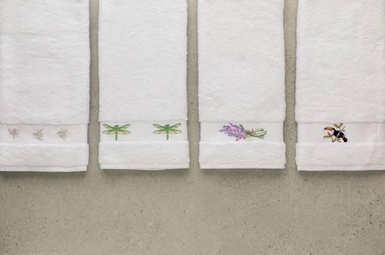 Baksana - Embroidered Towel Gift Set