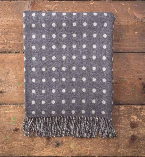 Importico - Foxford Lambswool Throw - Charcoal Spot Throw