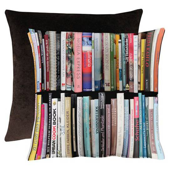 Importico - Apelt - Libre Books Cushion