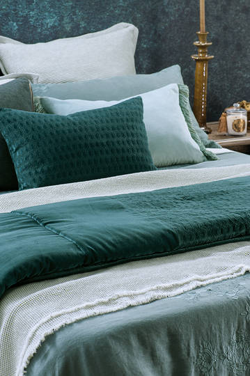 Bianca Lorenne - Lilypad - Teal Comforter / Eurocases and Cushion