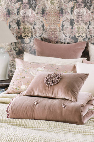 Bianca Lorenne - Mirabel - Dusky Pink Comforter / Eurocase and Cushion