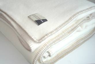 Ivory with Taupe Blanket Stitch Edge