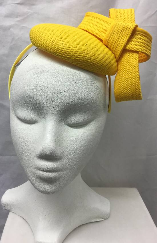 Yellow cocktail hat - one only