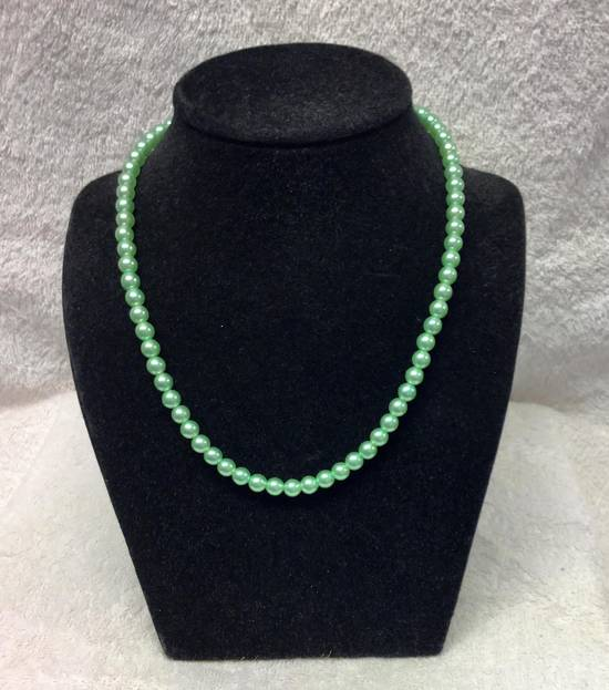 Imitation pearl necklace - in many colours -