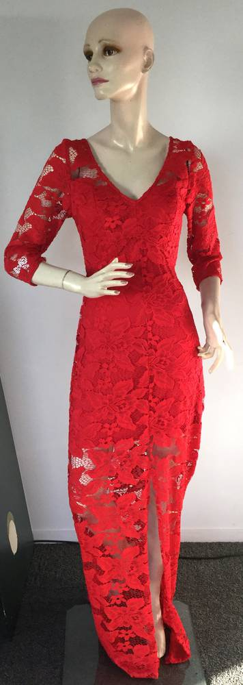 Lace full length gown with 3/4 sleeve - size 10 only