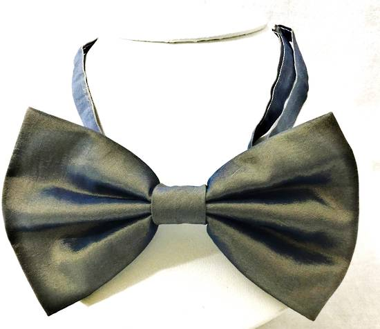 Old gold bow tie