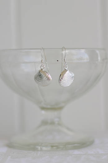 Tuangi Shell earrings