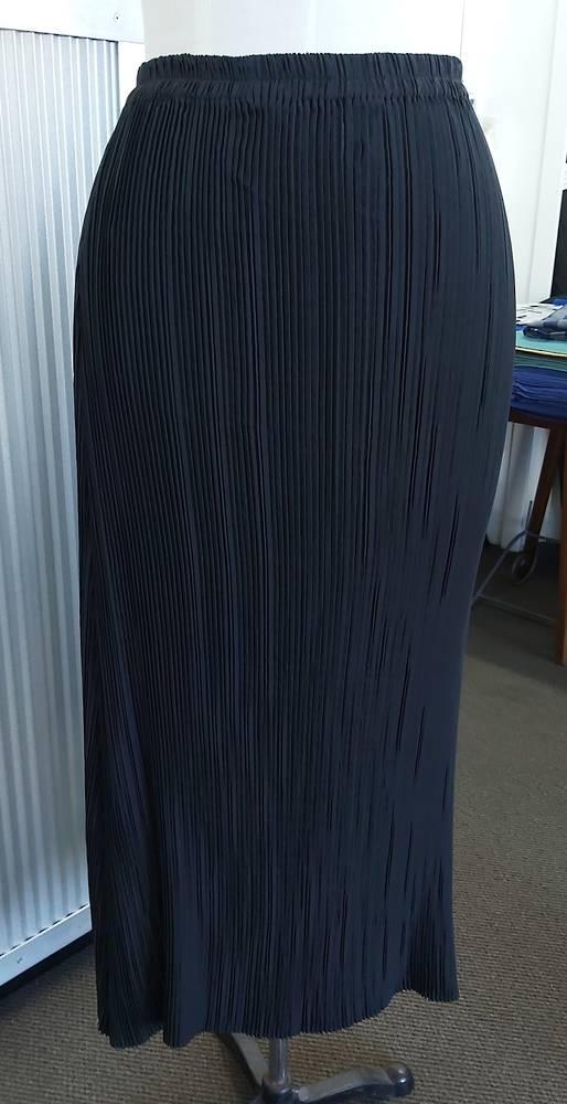 Lezley George Vintage Pleat Skirt