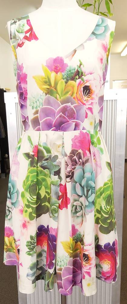 City Chic Vee-Neck  Print Dress