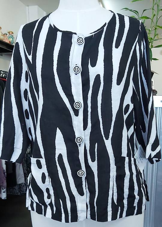 DC Black and White Linen Jacket