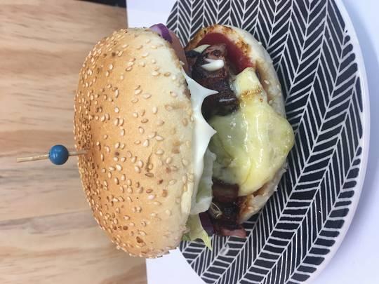 Camembert beef burger
