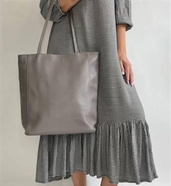 Luna Leather Tote bag in Mushroom