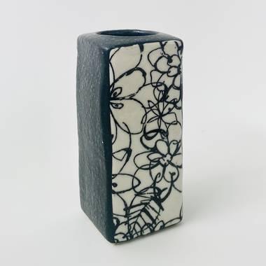 Monokuro Rectangle Vase in Black