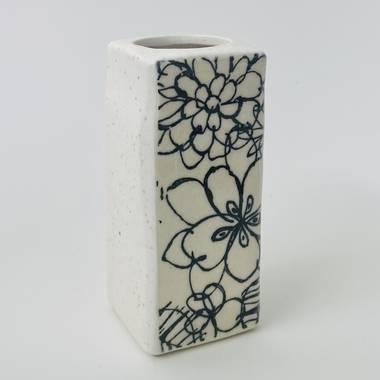 Monokuro Rectangle Vase in White