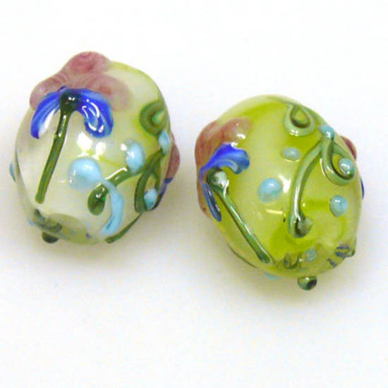 Chinese Lampwork Oval, Green and White with flower design