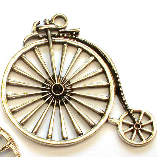 Metal Charm: Pennyfarthing Cycle - antique silver