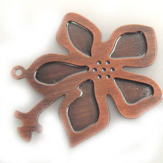Metal Charm: Flat stamped flower - copper