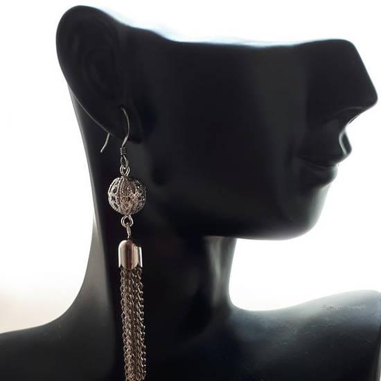 EARRING: Tassel with filigree ball - Silver