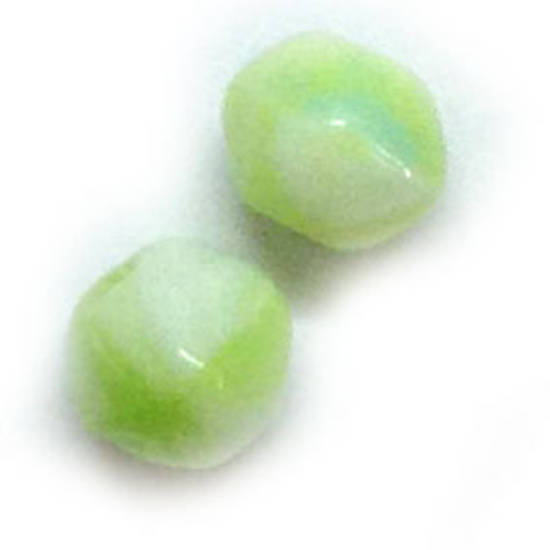 7mm facet - Lime/White opaque