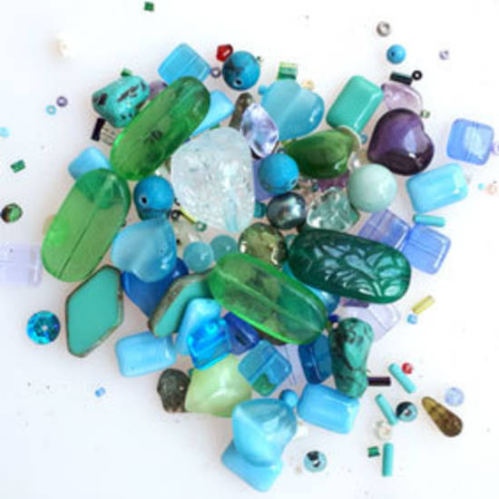 Pressed Glass Bead MIX: Peacock