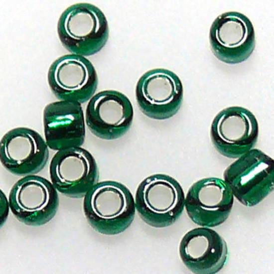 Matsuno size 11 round: 16A - Emerald, silver lined