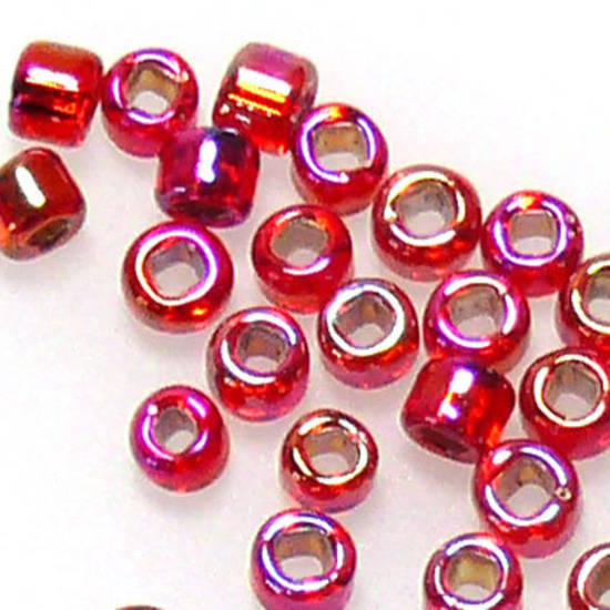 Matsuno size 11 round: 638 - Red shimmer, silver lined