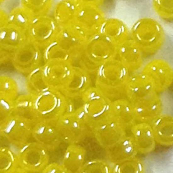 Miyuki size 15 round: 422 - Yellow Satin, opaque