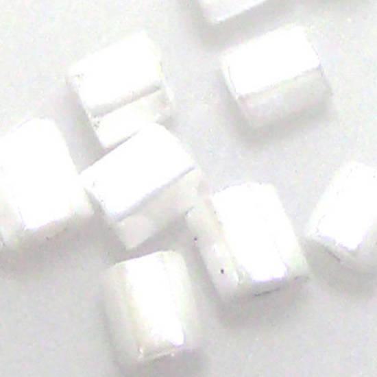 Matsuno size 8 hex: 420 - White Shimmer