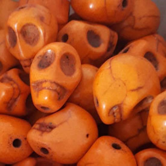 Howlite Skull: Small - Light Orange