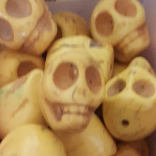 Howlite Skull: Large - Yellow