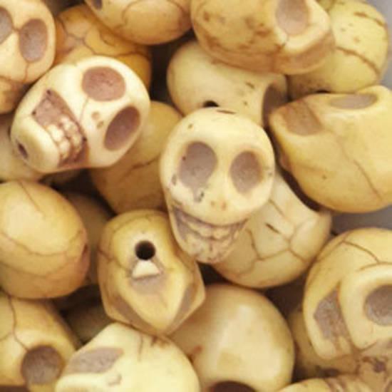 Howlite Skull: Small - Light Yellow