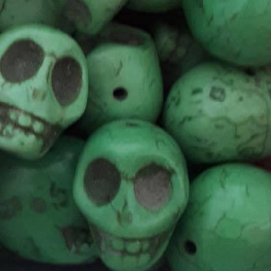 Howlite Skull: Large - Green