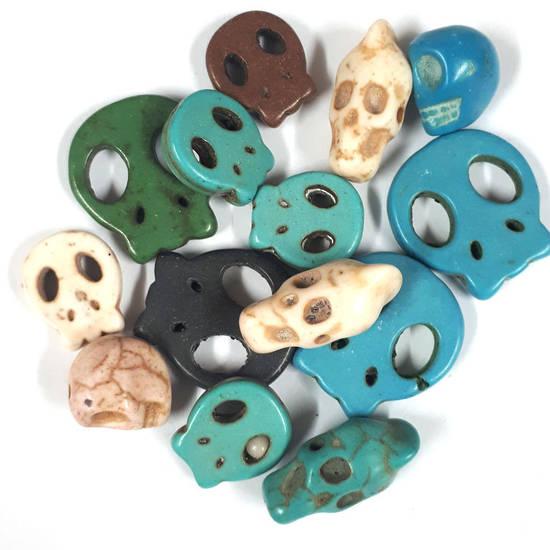 Howlite Skull Mix (14 beads) - Turquoises