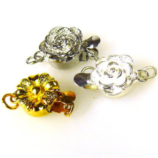 Round clasp with flower imprint, antique silver