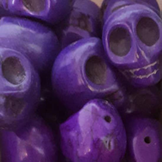 Howlite Skull: Large - Dark Purple