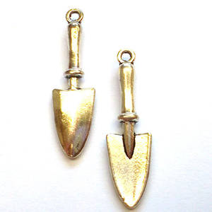 Metal Charm: Trowel - antique silver