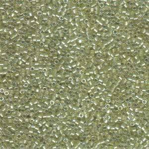 Delica, colour 903 - Sparkling Peridot lined Crystal