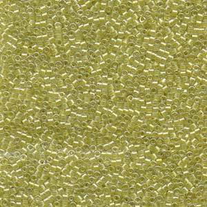 Delica, colour 910 - Sparkling Light Yellow lined Crystal