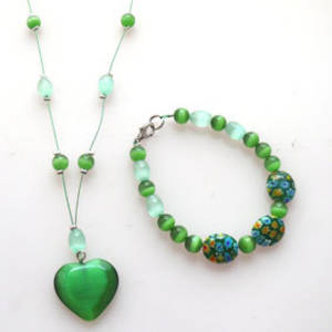 NEW KITSET: Floating necklace and bracelet: Green fibreoptic