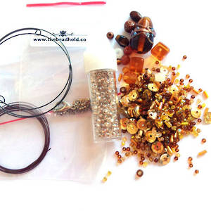 Youth Bead and Finding Pack: Ambers with goldy feature seeds