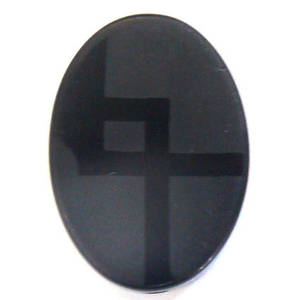 Honed Onyx, flat oval with deco design. 16mm x 19mm