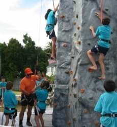 ROCKUP_rock_climbing_for_schools_1.jpg