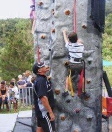 Rockup__Climb_on_Geoff_1.JPG